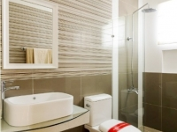 Chessa House Model Dressed Up Toilet and Bath at Lancaster Houses Cavite